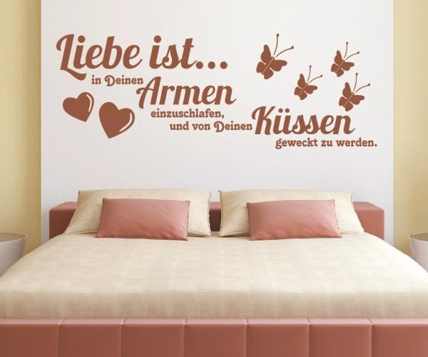 Wandtattoo - Liebe ist... in Deinen Armen einzuschlafen, und von Deinen Küssen geweckt zu werden. - Variante 2